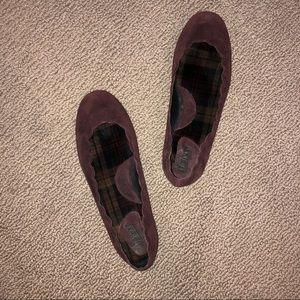 Born Maroon Scalloped Flats